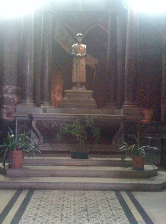 Joan_in_the_church_7